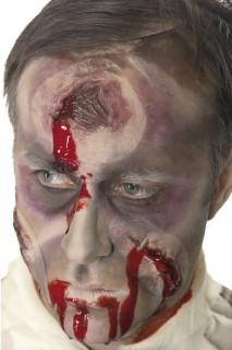 Loch im Kopf Make-Up mit Blut haut