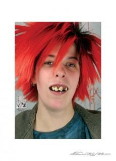 Punk Zähne mit Dentalmasse rot-weiss