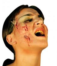 Falsche Wunde mit Glasscheiben hautfarben-rot