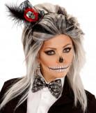 Halloween-Haarreif mit Totenkopf-Minihut und Fliege schwarz-silber-rot