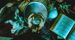 Schaurige Hexennacht: Ideen für die Walpurgisfeier zu Hause