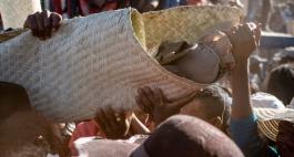 Die Totenfeste dieser Welt: Famadihana auf Madagaskar